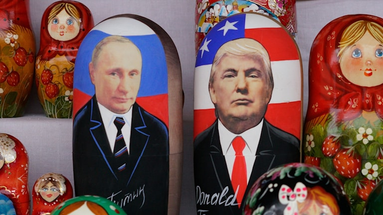 Matyoshka-dockor över Putin och Trump