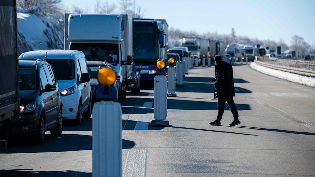 Bilkö vid den tysk-tjeckiska gränsen i dag. Tyskland skärpte reglerna för inresa från Tjeckien på grund av smittoläget.