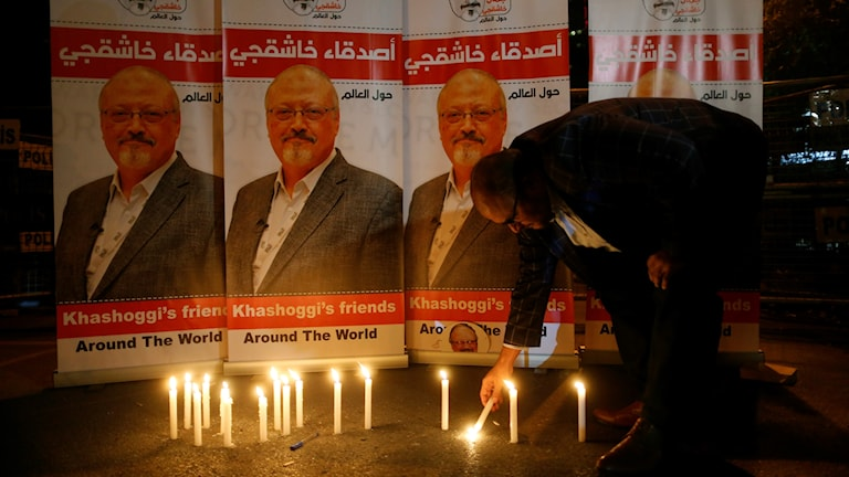 Ljus tänds för journalisten Khashoggi (arkivbild). Foto: Lefteris Pitarakis/TT.