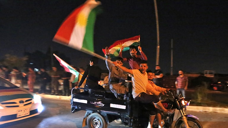 Kurder firar omröstning om självständighet.