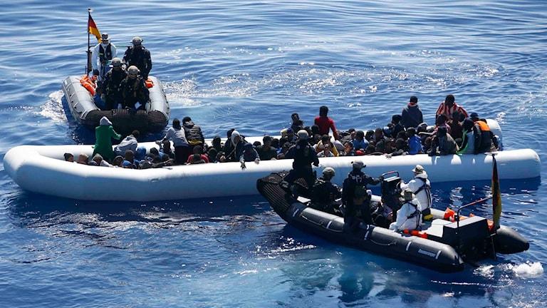 Räddningsaktion utanför Libyens kust