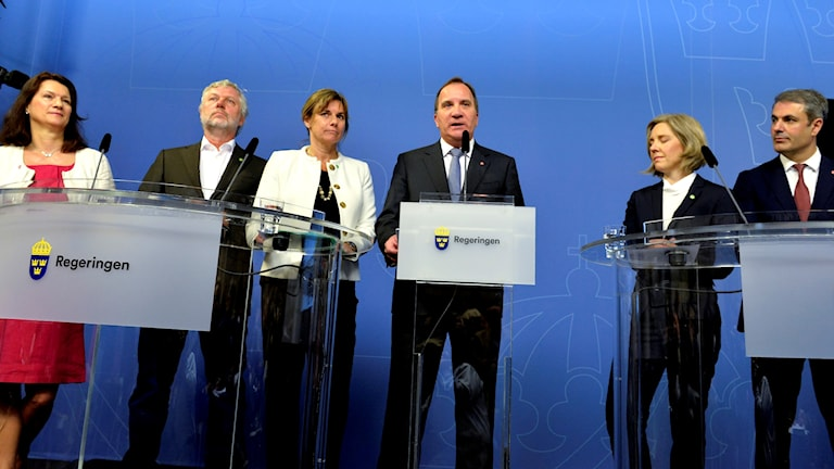 Ann Linde, Peter Eriksson, Isabella Lövin, Stefan Löfven, Karolina Skog, Ibrahim Baylan.