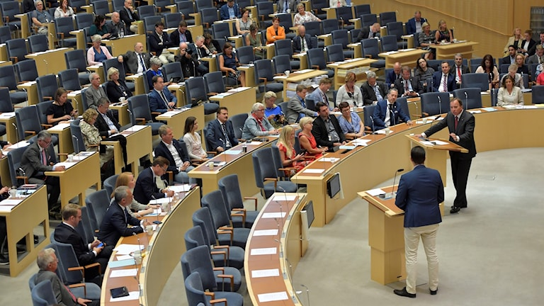 Statsminister Stefan Löfven (S) Jimmie Åkesson (SD) under en partiledardebatt i Riksdagen.