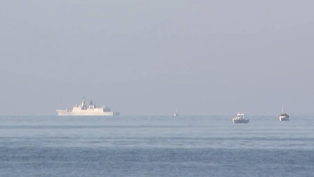 Militärfartyg på vatten