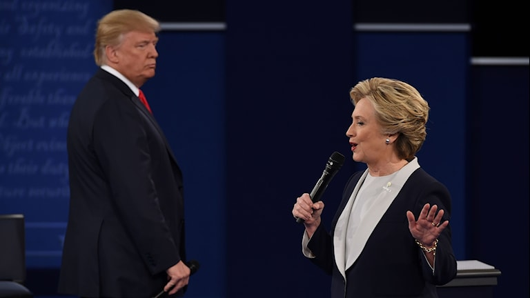 Trump och Clinton under debatten. Foto: Robyn Beck/TT.