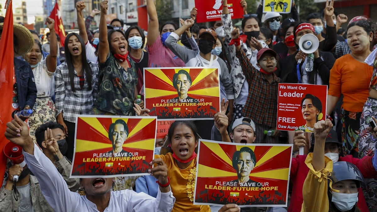 Demonstranter i Myanmar