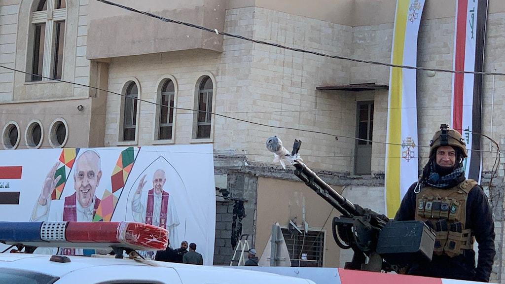 Stort säkerhetspådrag när påven besöker Irak