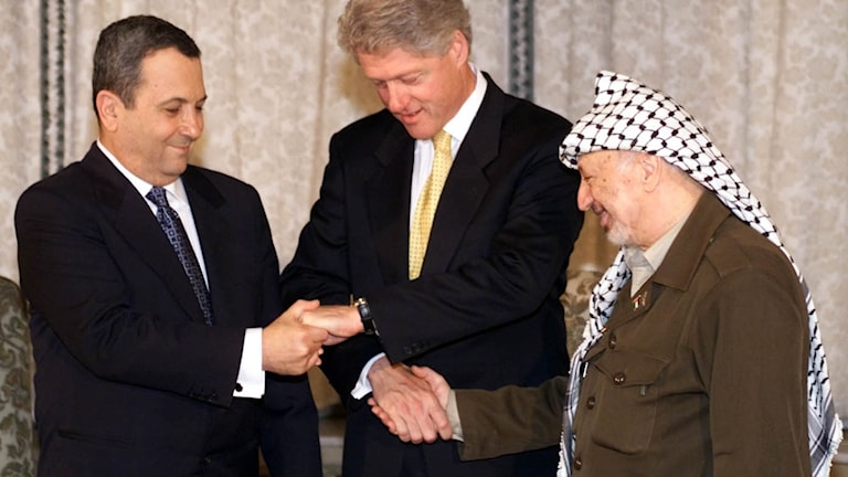 USA:s Bill Clinton, Israels Ehud Barak och PLO:s  Yasser Arafat.