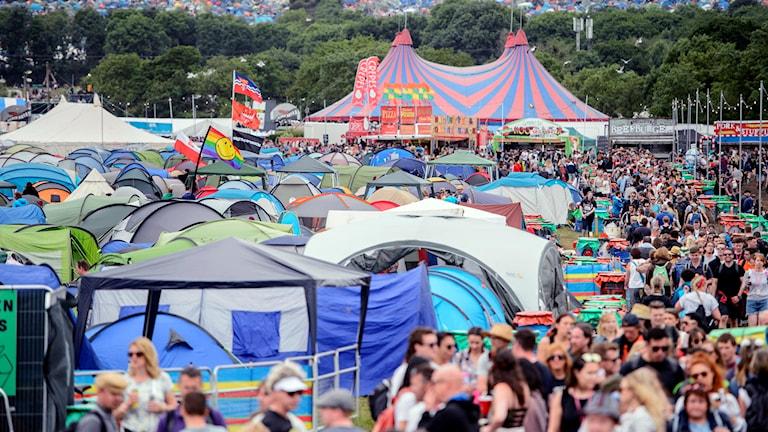 Festivalen i Glastonbury i England.