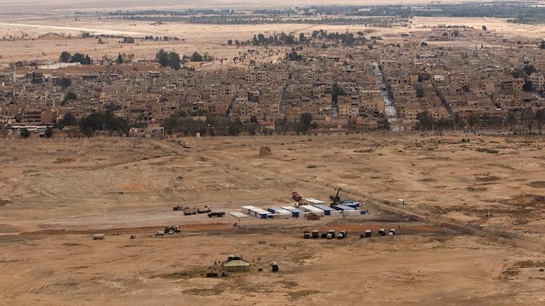 Enligt uppgifter från det oppositionella Syriska människorättsobservatoriet (SOHR), baserat i Storbritannien, har IS nu intagit områden i de nordvästra delarna av staden.