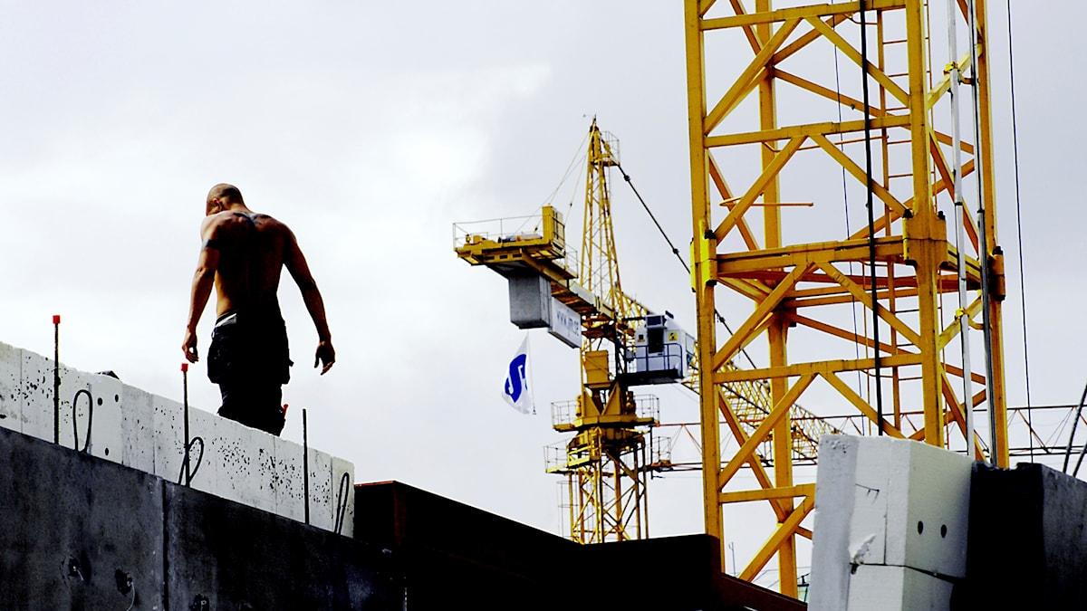 I Sverige är det många som gästarbetar inom bland annat byggbranschen.