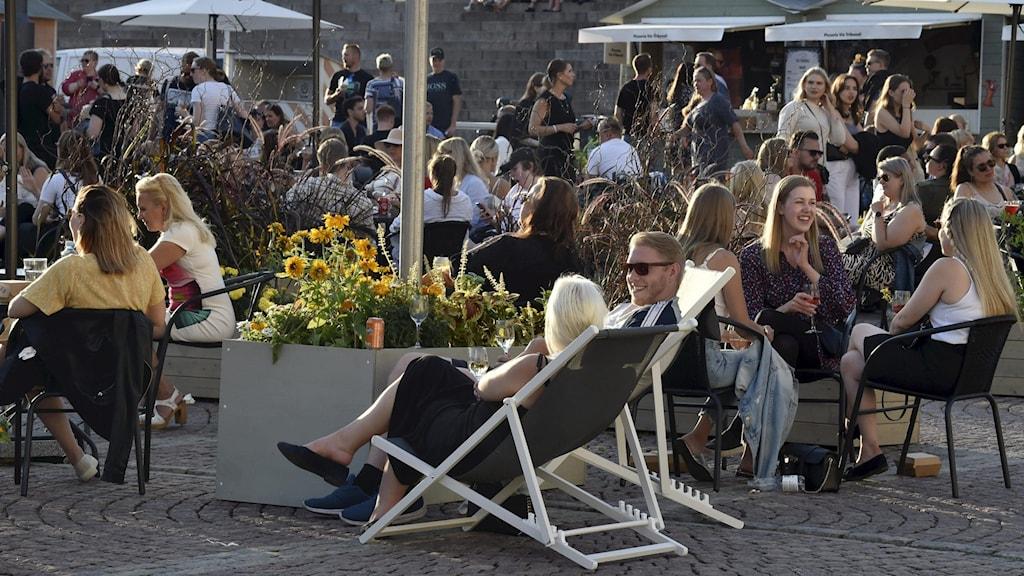 Folksamling i Helsingfors.
