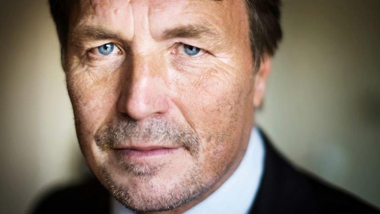 Regeringen erbjöd Thomas Bodström sex månadslöner om han självmant valde att hoppa av det blivande jobbet som landshövding