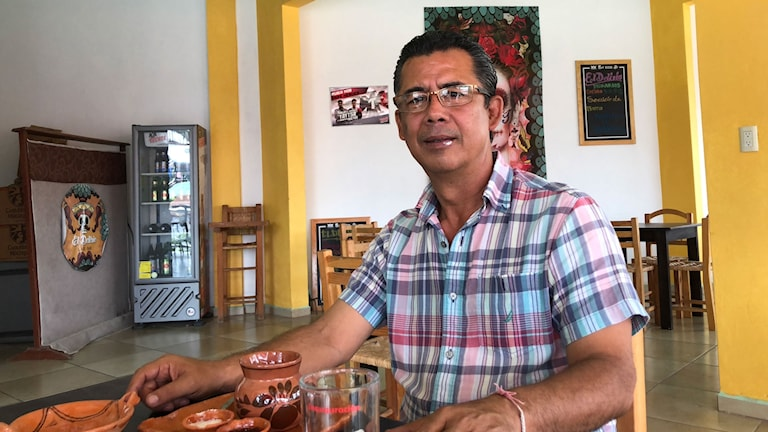 Orencio Bello är borgmästarkandidat för vänsterpartiet Morena i staden Chilapa. Han har fått flera hot.