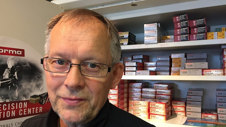 Vapenhandlaren Torsten Töyrä i Luleå