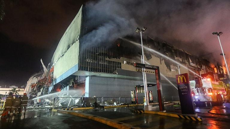 Brand i köpcenter i Davao på Filippinerna