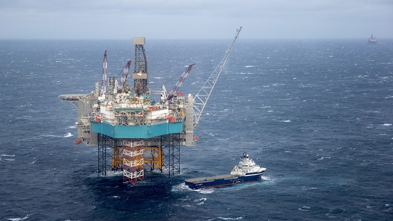 Oljeplattform på hav