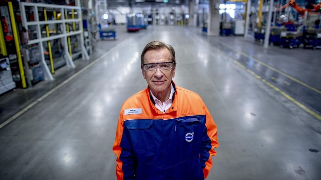 Volvo Cars vd Håkan Samuelsson inne i fabriken i Torslanda.