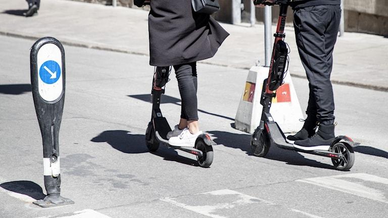 Elsparkcyklar har blivit ett populärt transportmedel.