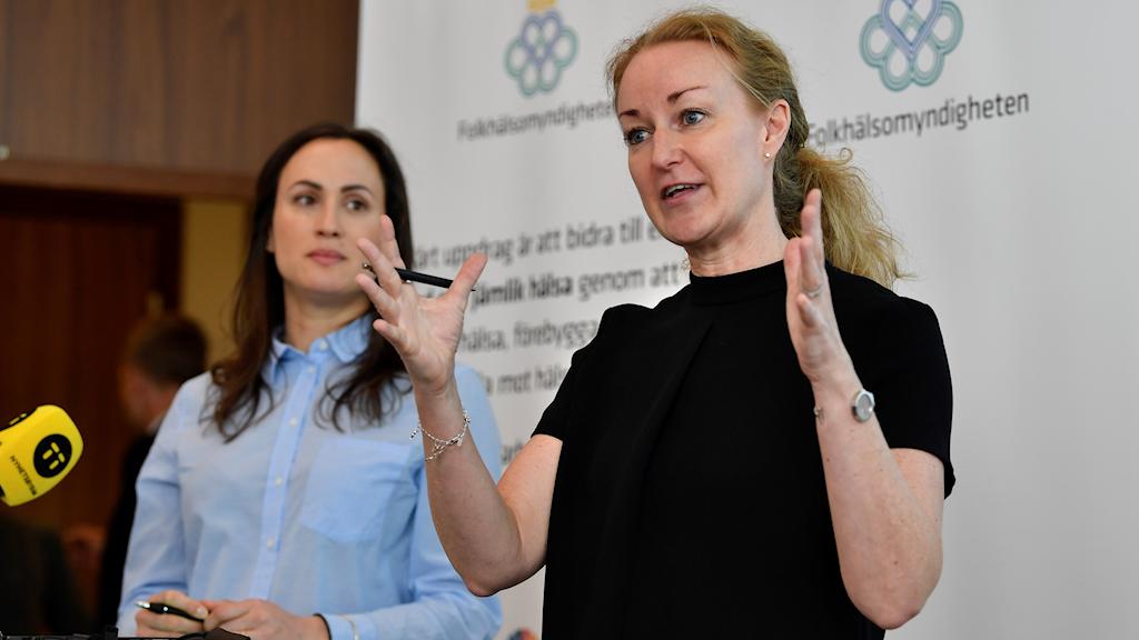 Charlotte Deogan och Louise Mannheimer från Folkhälsomyndigheten presenterade på tisdagen myndighetens nationella befolkningsstudie om sexuell och reproduktiv hälsa.