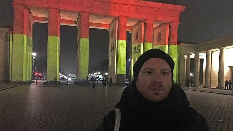 Chris Goetz vid Brandenburger Tor.