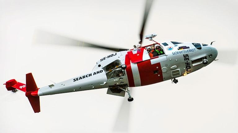Sjöfatsverkets räddningshelikopter 902.