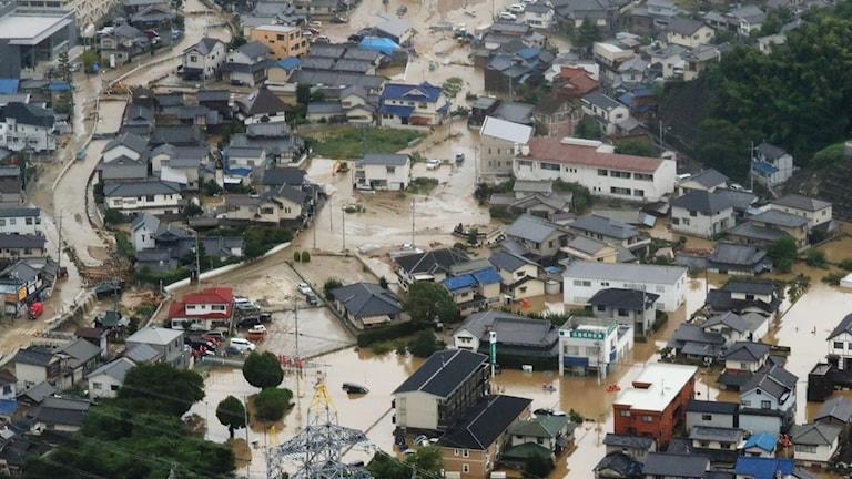 En bild från den översvämmade staden Saka i Hiroshima.