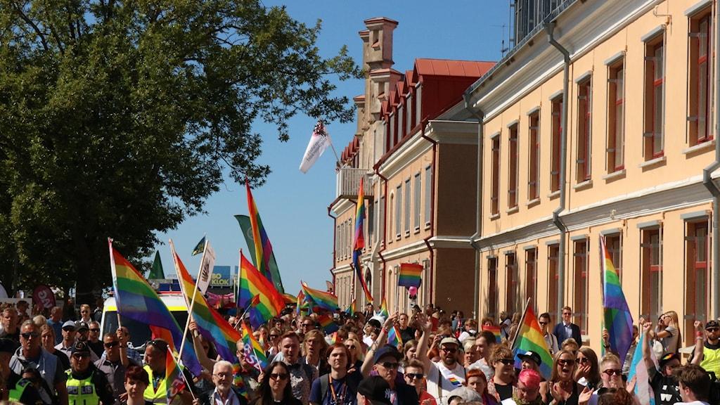 Tusentals människor demonstrerade mot nazism i Visby.