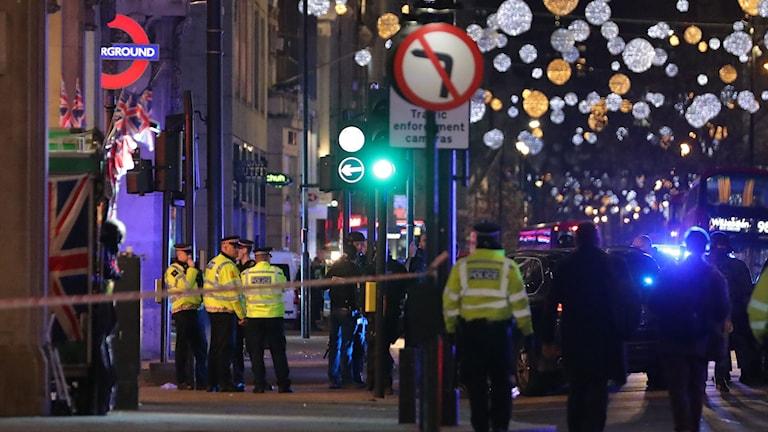 I London har tunnelbanestationen Oxford Circus evakuerats