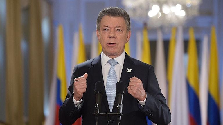 Colombias president Juan Manuel Santos i talarstolen.