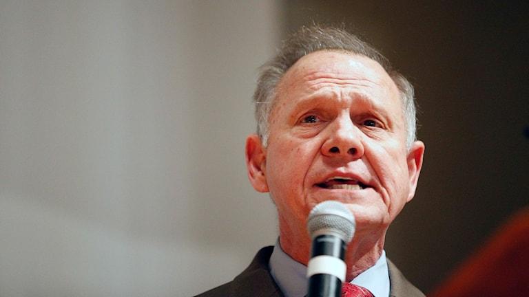 Roy Moore ifrågasätter valprocessen