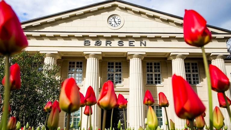 Ingång till Oslos börshus.