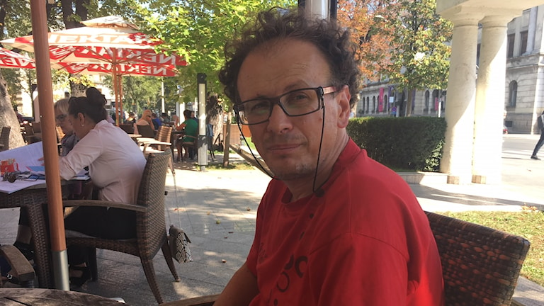 - Att börja ändra gränser i den här regionen är som att öppna Pandoras ask, säger Srdjan Puhalo, politisk analytiker i Banja Luka, Bosnien-Hercegovina.