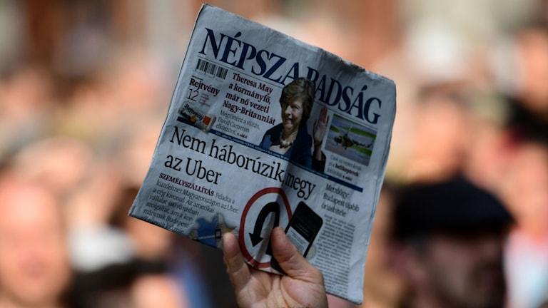 Tidningen Nepszabadsag var en av de få kritiska röster i Ungern.