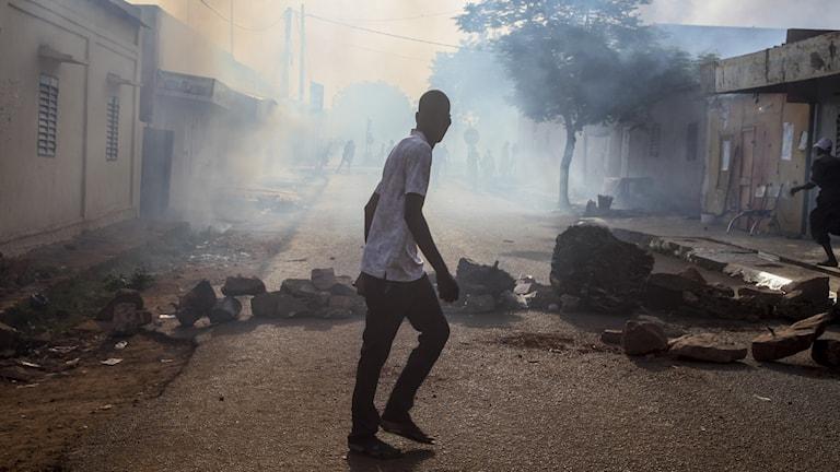 Efter gårdagens militärkupp i Mali så är det återigen lugnt på gatorna, säger Bintou Koné, på plats i Mali.