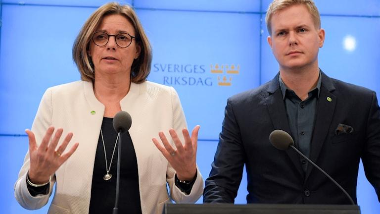 Isabella Lövin och Gustaf Fridolin