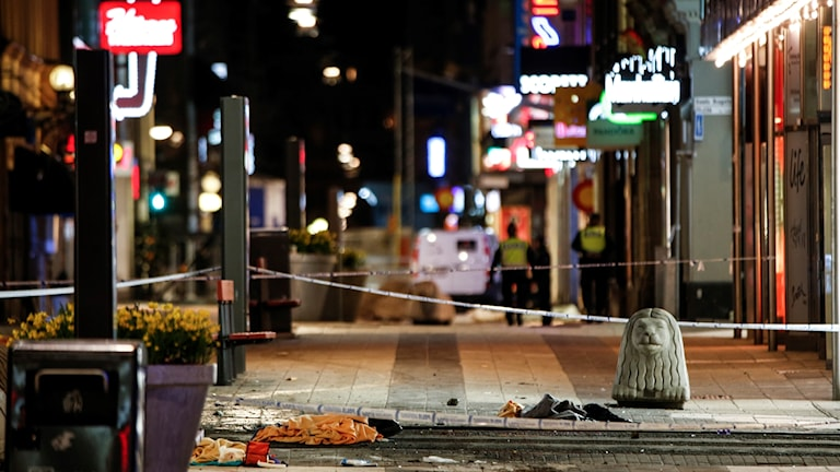 The attack happened on the shopping street of Drottninggatan.