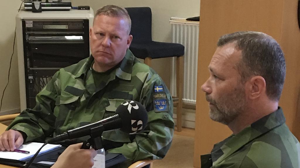 Pierre Wahlström och Thomas Goder, Försvarsmaktens Hundtjänstenhet, FHTE