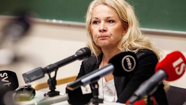 Knivattacken i Åbo utreds som terrormord, förklarade Crista Granroth, centralkriminalpolisen, vid en presskonferens i Åbo på lördagen