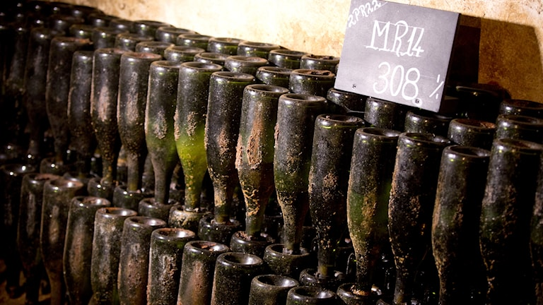 Champagneflaskor från 1914 i Epernay, Frankrike.