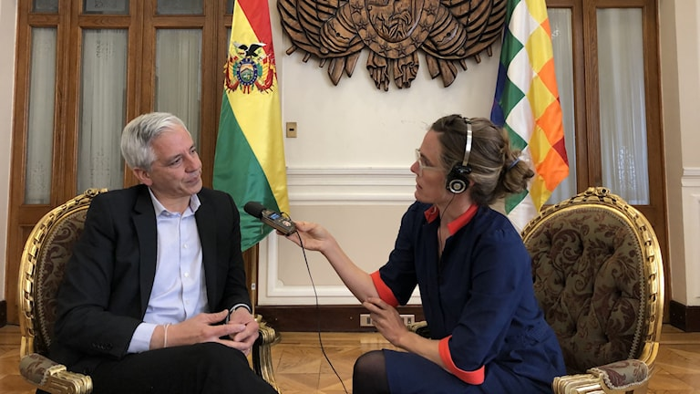 Bolivias vicepresident Álvaro García Linera intervjuas av SR:s Latinamerikakorrespondent Lotten Collin.