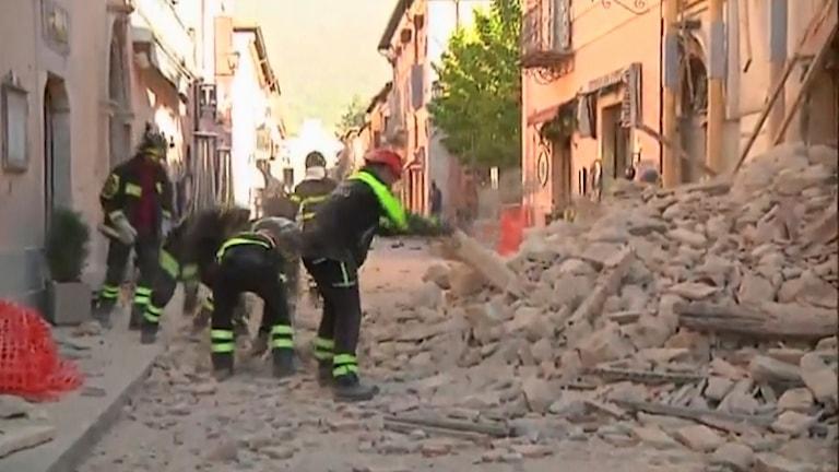Skadad byggnad i Norcia.