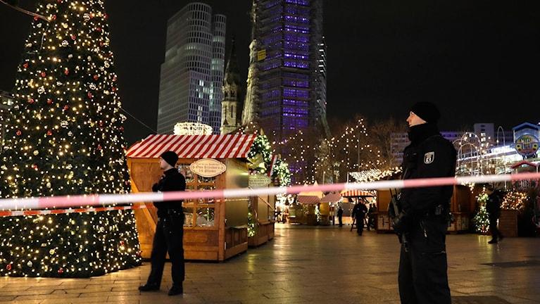 avspärrning vid julmarknaden i Berlin