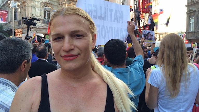 Michelle Demisevich turkisk journalist.