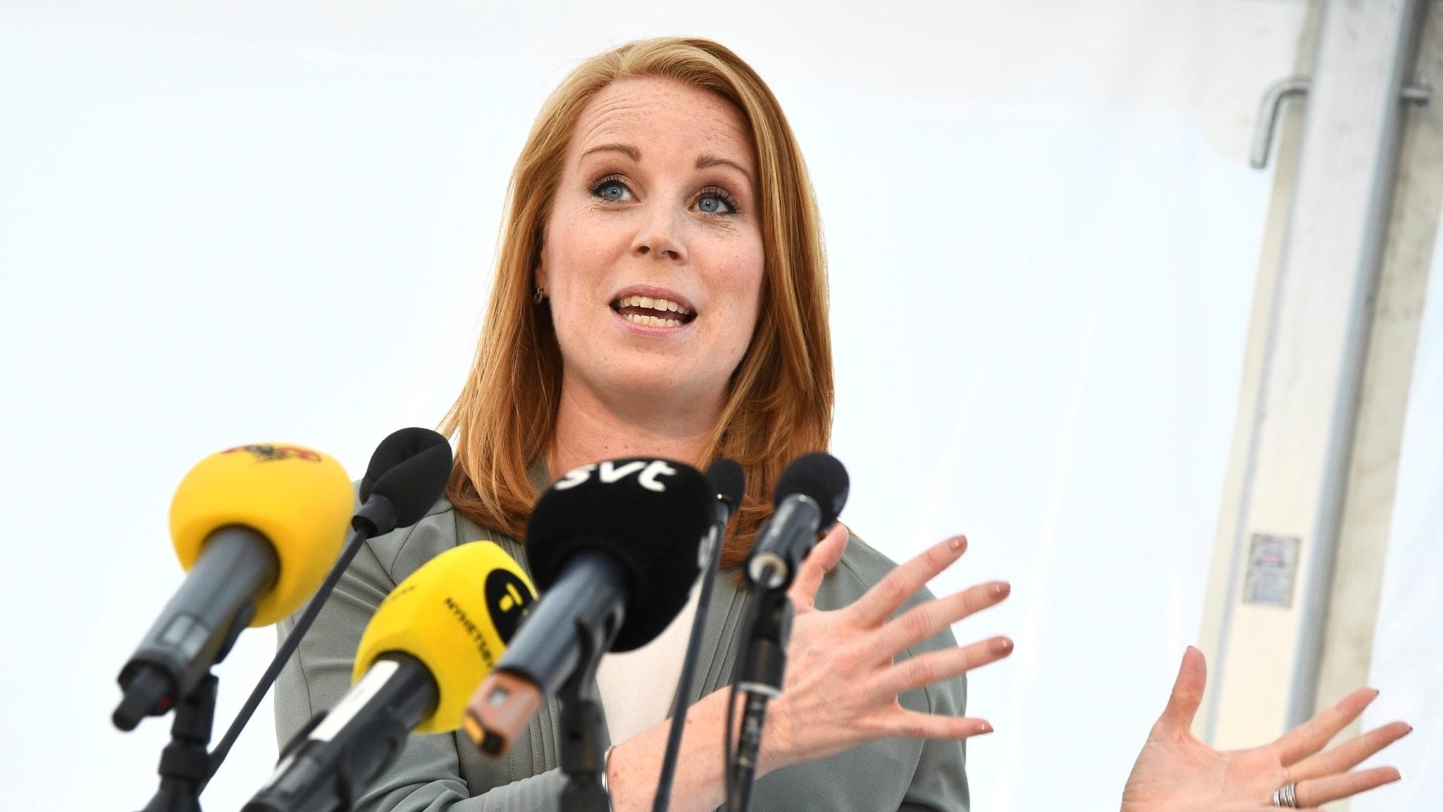 Annie Lööf (C) talar i Almedalen 2018