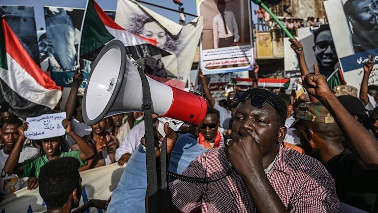 demonstranter i Sudans huvudstad Khartoum