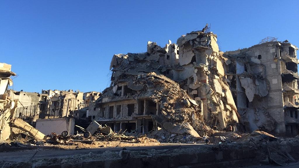 Vissa delar av staden ligger i ruiner.