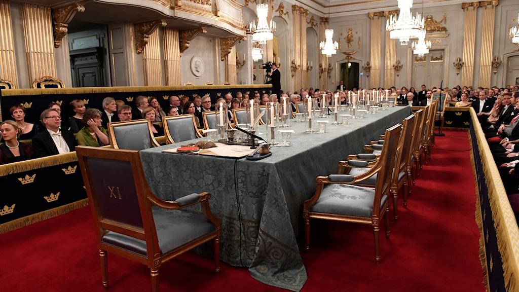 Uppdukat för ledamöterna vid Svenska Akademiens högtidssammankomst.
