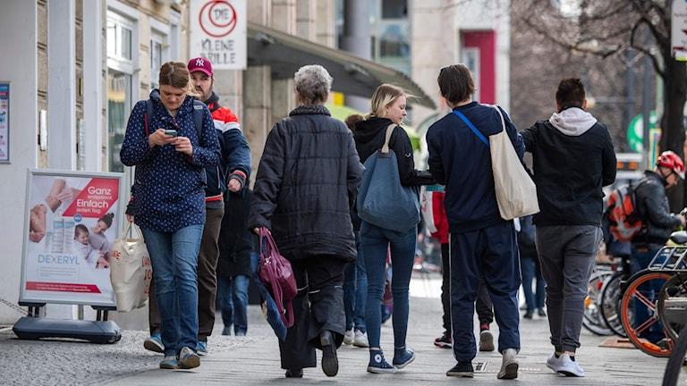 Berlinare ute på stan på onsdagen.