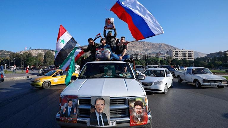 Bil efter flyganfalle mot SYrien